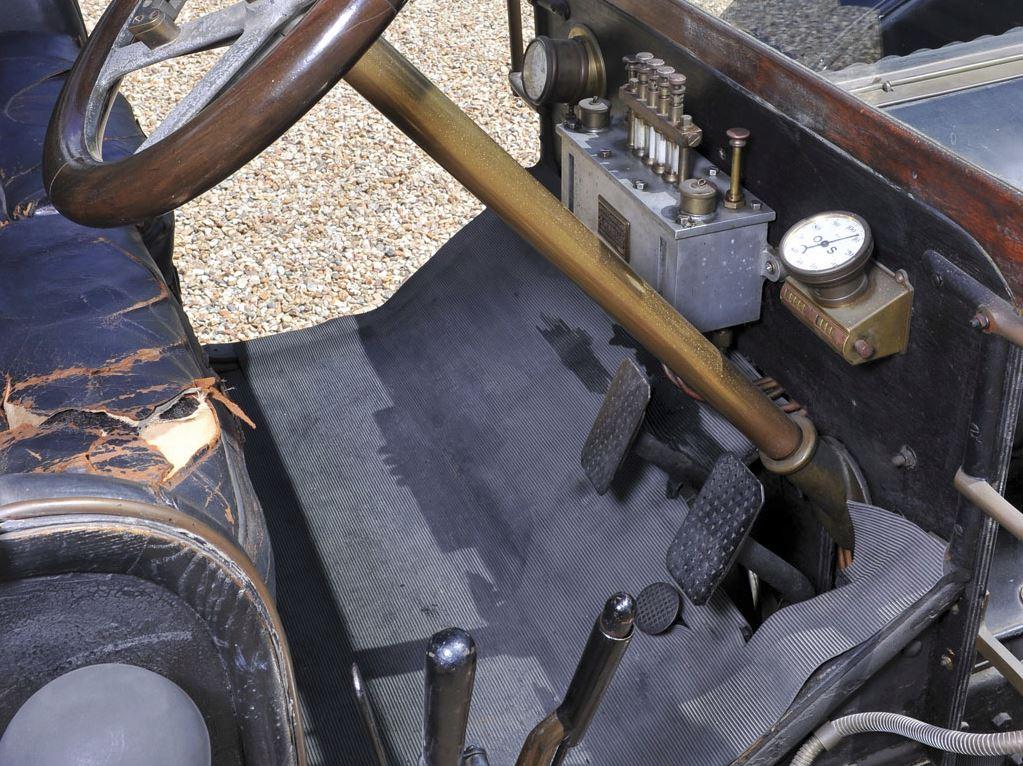 Hotchkiss Type T Coupé 11