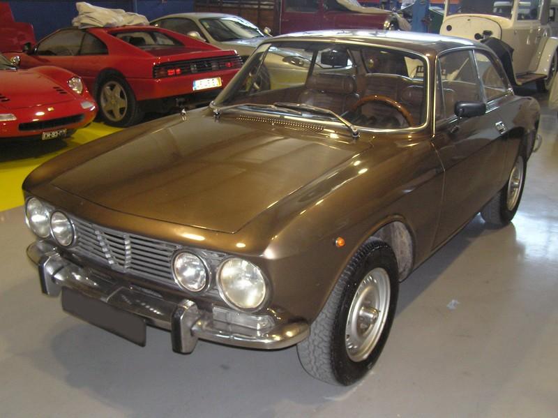 Alfa Romeu 2000 GT Veloce 03