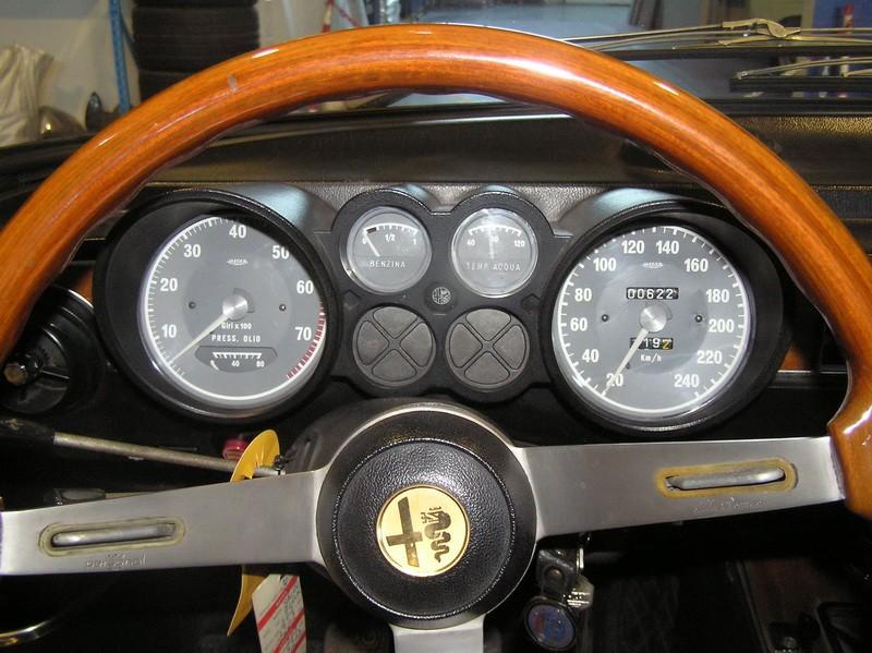 Alfa Romeu 2000 GT Veloce 11