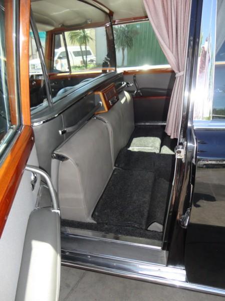 Mercedes 600 Pullmann (6 portas) 12