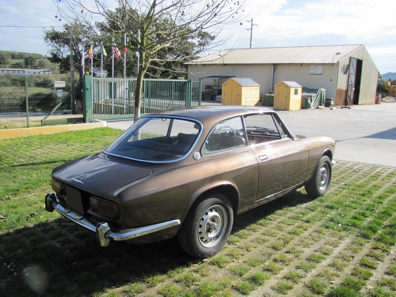 Alfa Romeu 2000 GT Veloce 17